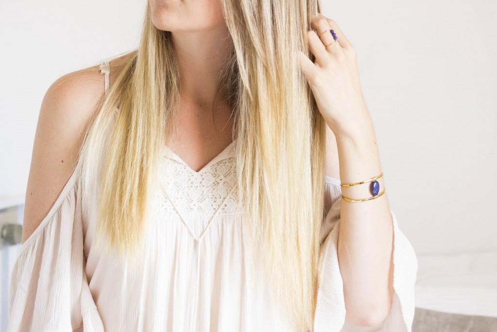 Cheveux lisses blonds